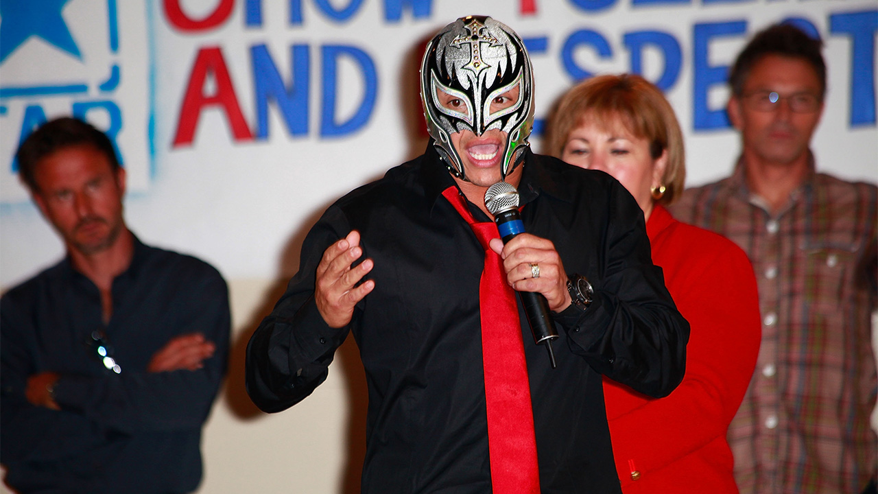 Rey Mysterio discusses the death of Perro Aguayo, possible WWE return